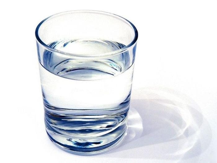 Святая вода – один из основных «помощников» белой магии