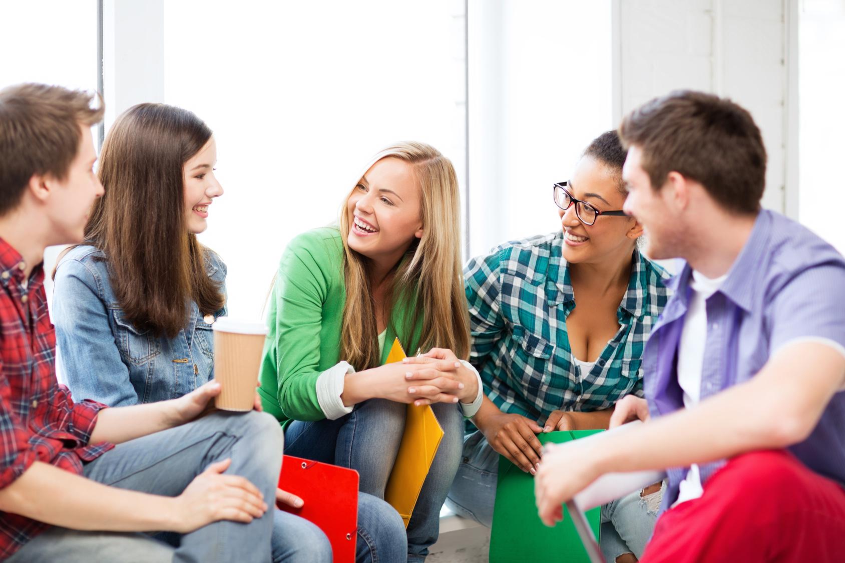 Общительность и дружелюбие – основные черты характера Водолея