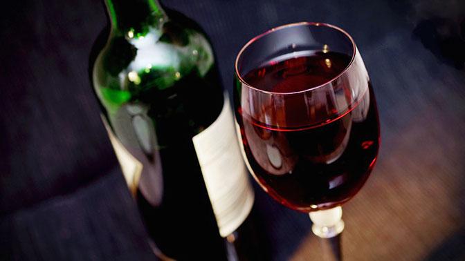 Наговор на вино помогает бороться с пьянством