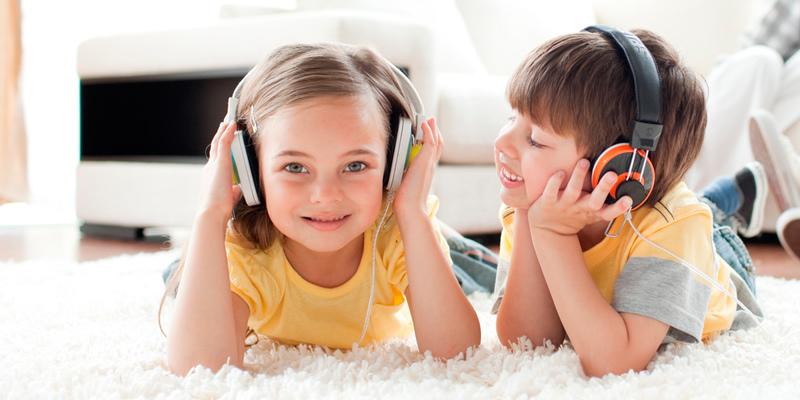 Дети проявляют интерес к музыке и творчеству