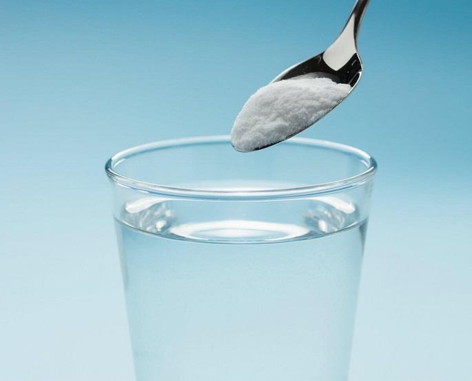 Наговор на соль и родниковую воду читают для женской привлекательности