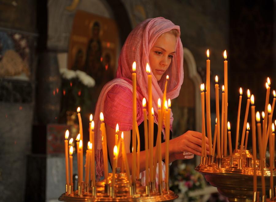 На Покрова просят Богородицу о скором замужестве
