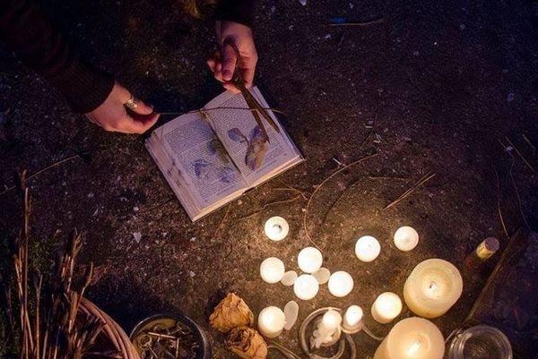 Категорически запрещено отклоняться от инструкции ритуала