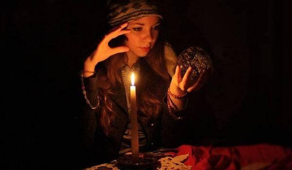 Приворот – воздействие на ауру человека при помощи магии