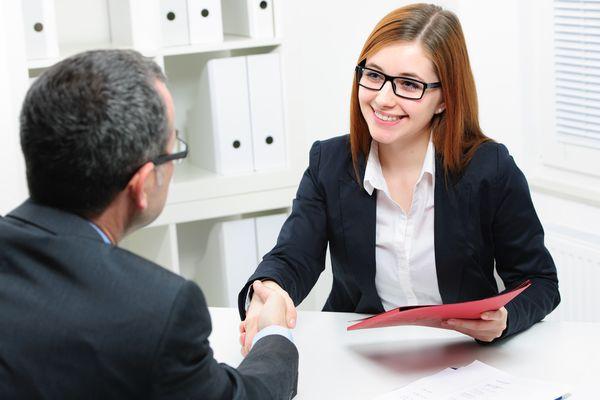 Чтобы найти работу мужу необходимо пойти в храм в мужской день