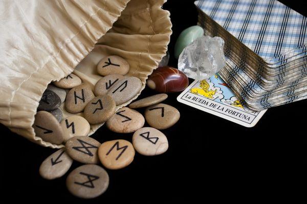 Рунический ритуал имеет свою цену, подчас довольно высокую