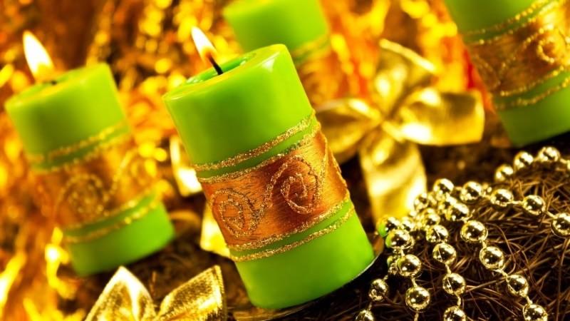 Заговор на деньги читают с помощью зеленой свечи